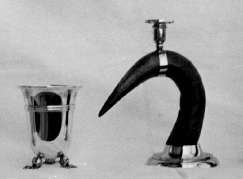 Bicchiere tre melograni e Corno portacandela, 1960