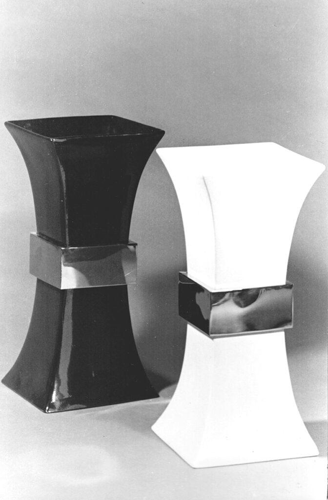 Vaso ceramica con fascia ottone, 1970